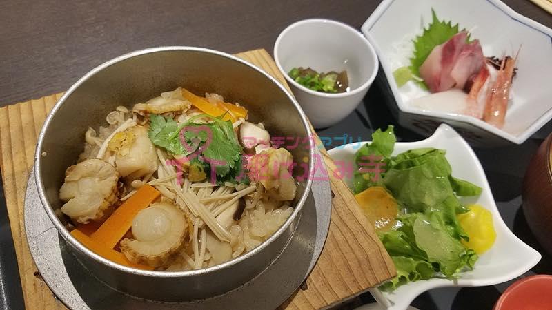 釜飯などの和食の写真